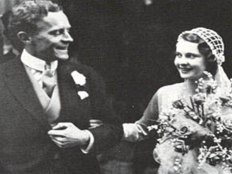 С первым мужем Гербертом Ли Холманом