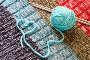 Вязание - невинное рукоделие или бытовая магия?