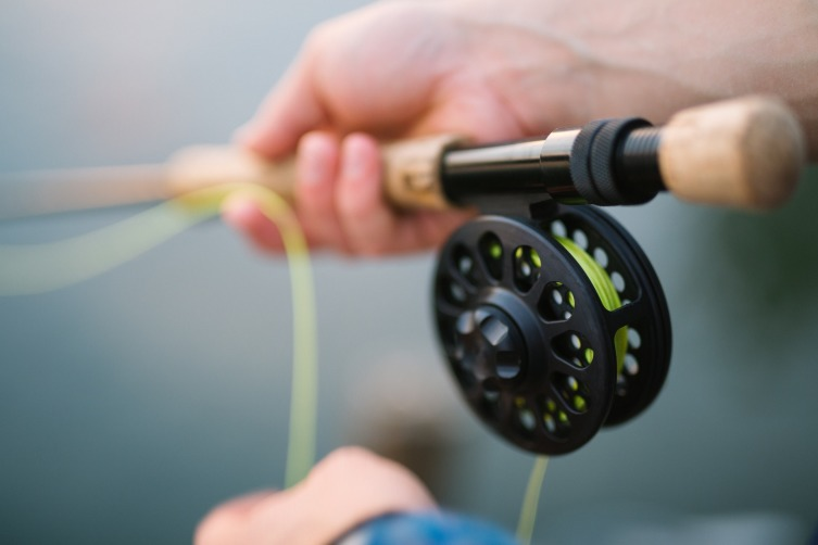 Жена получит все доказательства того, что муж был на рыбалке, включая улов и пропахшую одежду