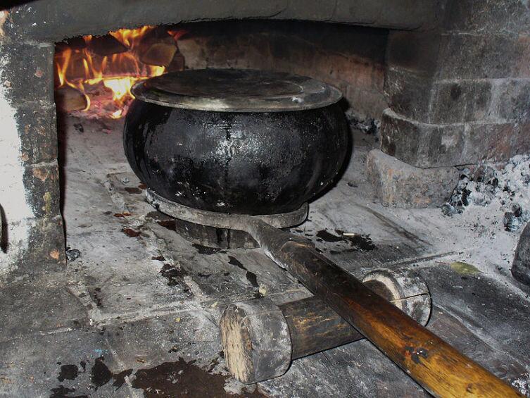 Использование ухвата в русской печи