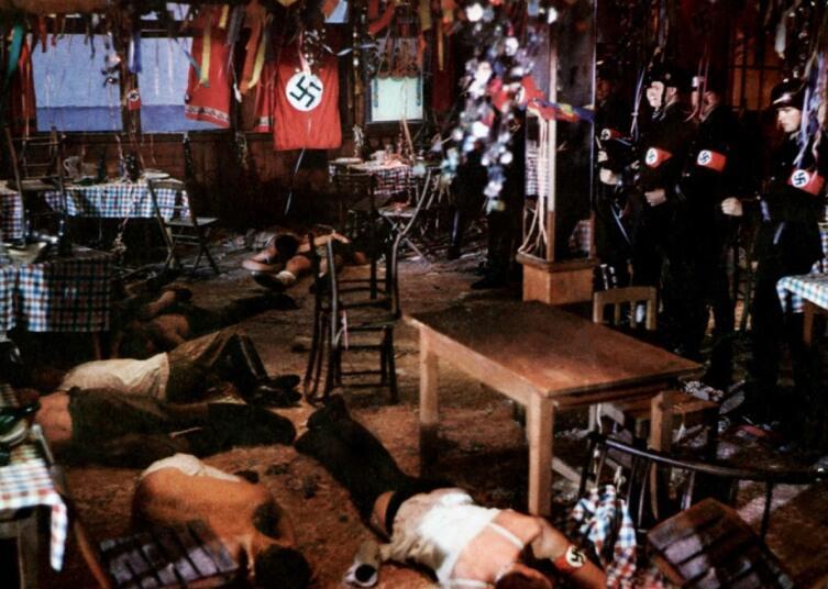 Кадр из фильма« Гибель богов»