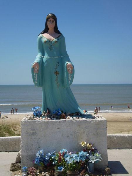 Статуя Иемайи в Бразилии
