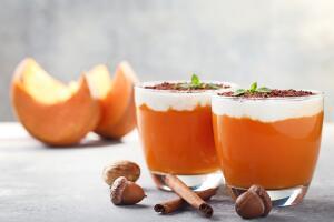 Как приготовить диетические  новогодние десерты?