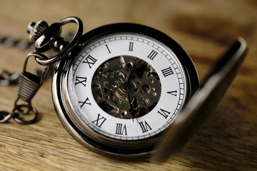 Страхует ли часовой ломбард залоговое имущество?