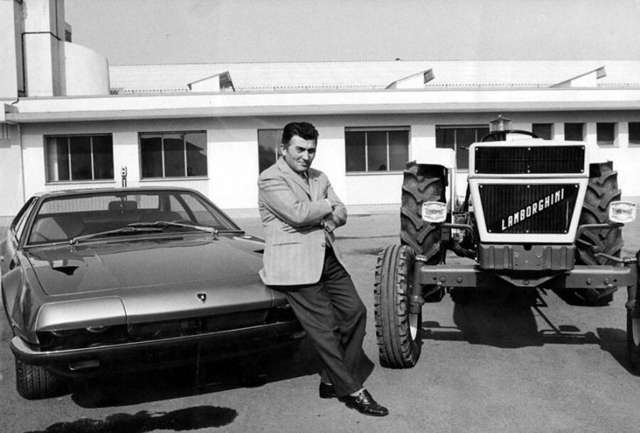 Ферручо Ламборгини между «Джарамой» и трактором