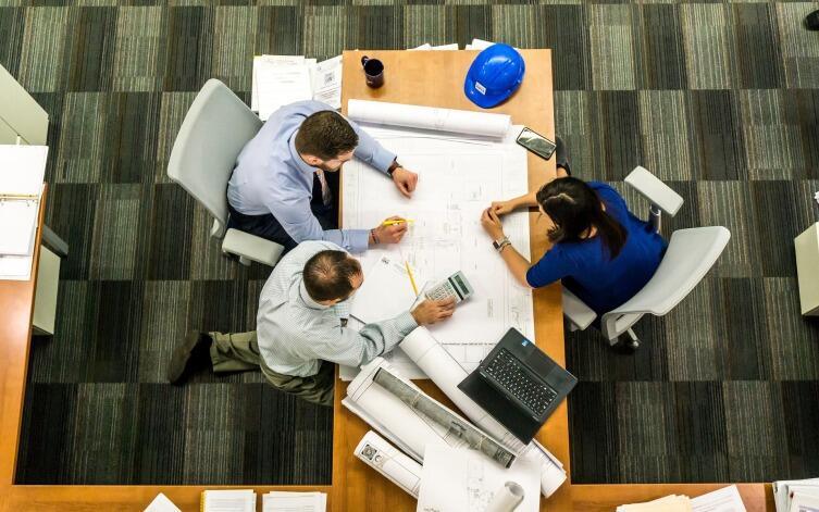 поле деятельности предпринимателя расширяется за счет числа работников