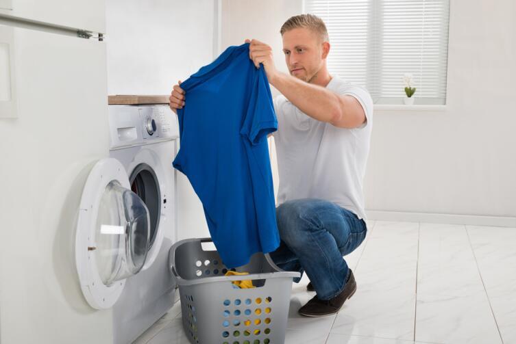Не каждую футболку стоит сразу стирать!