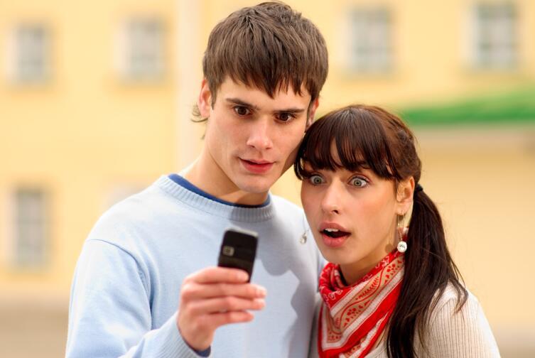 Если у вас будут доказательства в виде SMS, можно идти в полицию