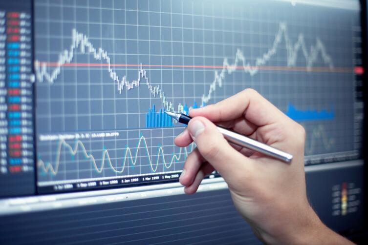 Инвестирование и биржевая игра требуют обучения и первоначального капитала