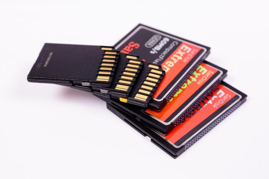 Почему карты памяти так быстро ломаются?
