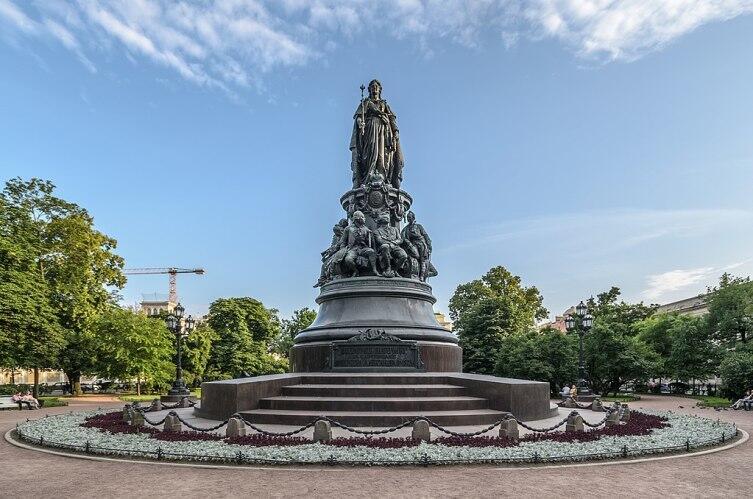 Памятник Екатерине II — памятник на площади Островского в Санкт-Петербурге, установленный в честь императрицы в 1873 г.