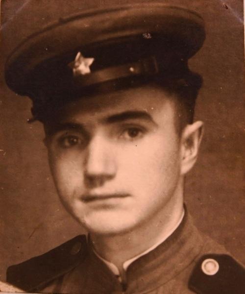 Виктор Яковлевич в 1946 году после возвращения из Франции