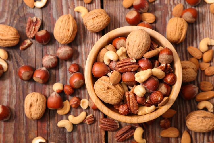 Орехи - источник жиров и белка