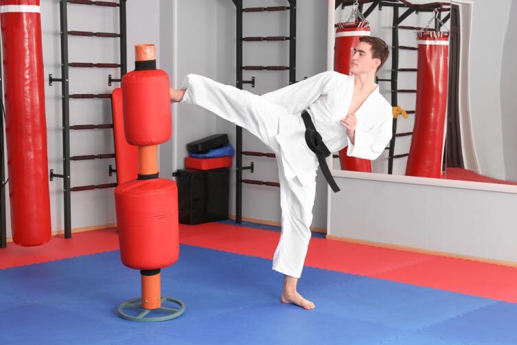 Работа с макиварой - специальные упражнения каратистов