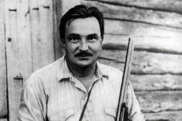 За что  Советская власть преследовала детского писателя Виталия Бианки?