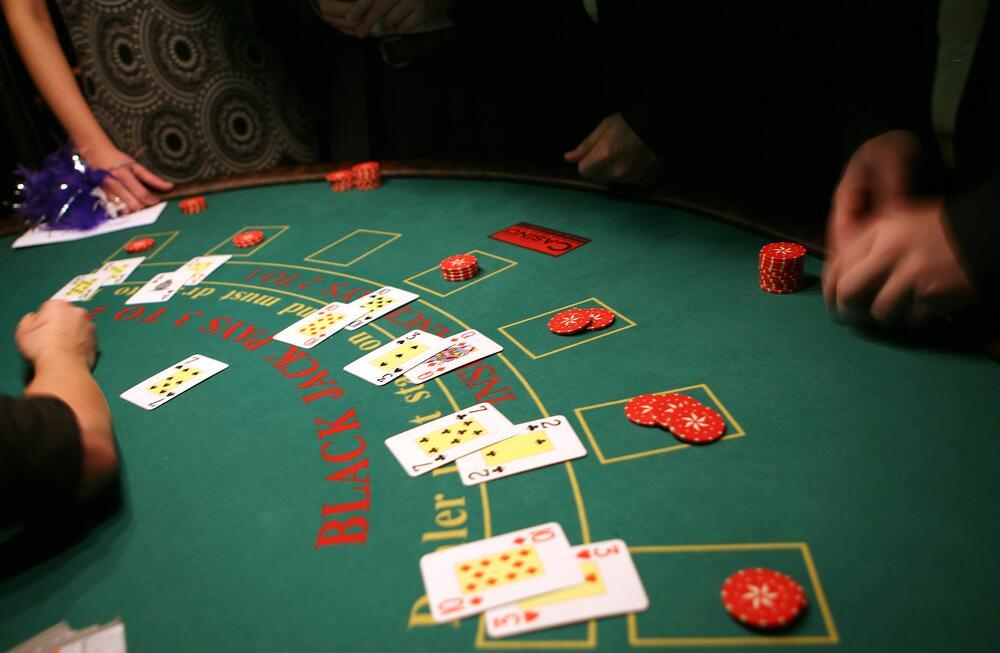 Lucky red casino blackjack