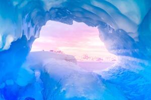 Есть ли пещеры в Антарктиде?