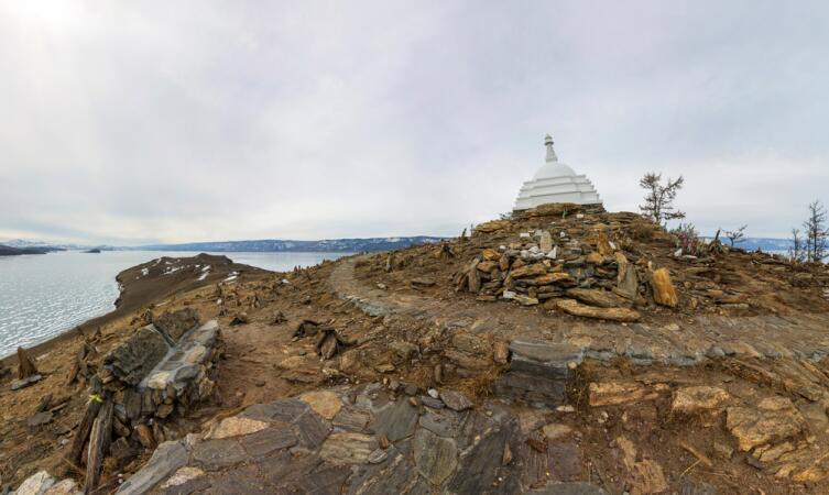 Ступа Просветления на острове Огой, на Байкале