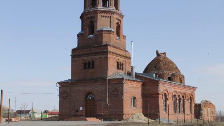 Храм в бывшей слободе Азовская