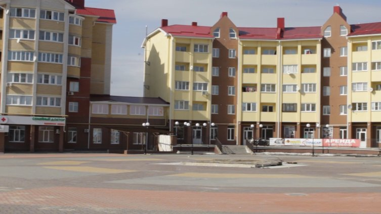 В центре Боброва