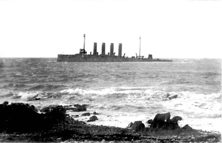 «Варяг» после посадки на камни близ посёлка Ленделфут в Шотландии, 1920 г.
