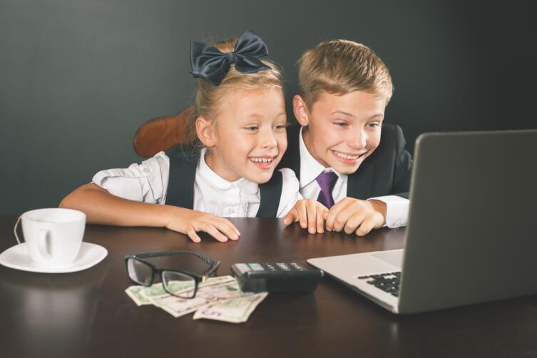 Как давать детям деньги?