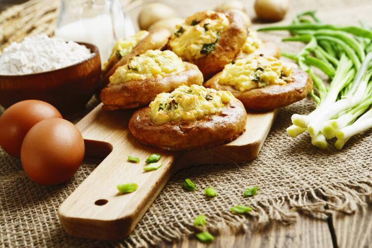 Шаньги делали с мясом, а также с картофелем и крупой