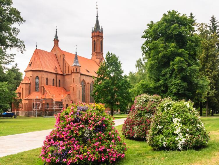 Костел Пресвятой Девы Марии Шкаплерной