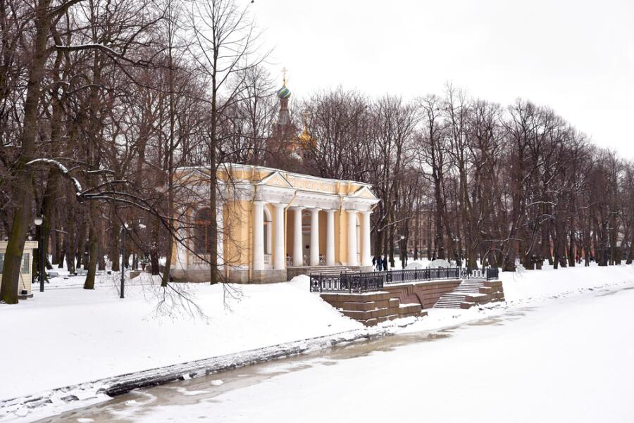 Михайловский сад в Санкт-Петербурге