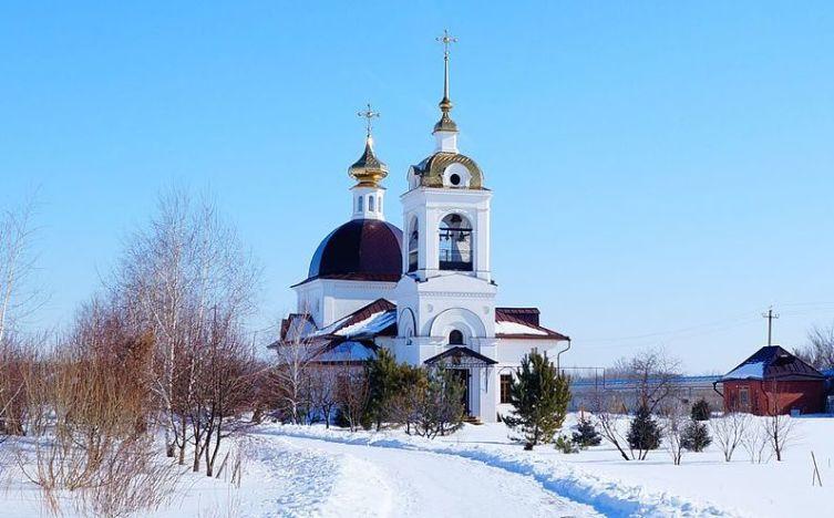 Средне-Никольский женский монастырь, был основан, как старообрядческий ужской монастырь, но в 1837 г. преобразован в единоверческий