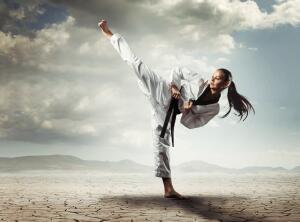 Физподготовка в боевых искусствах: почему в каратэ так любят отжимания?