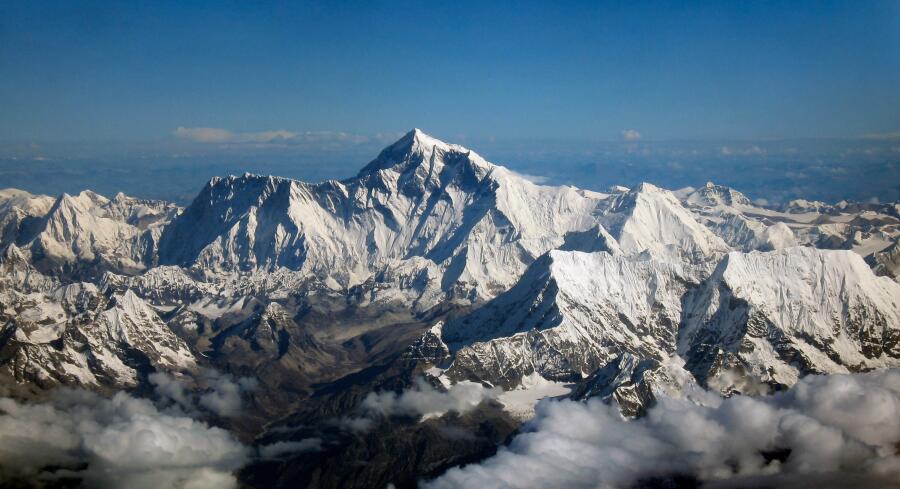 Вид на Эверест с борта самолёта