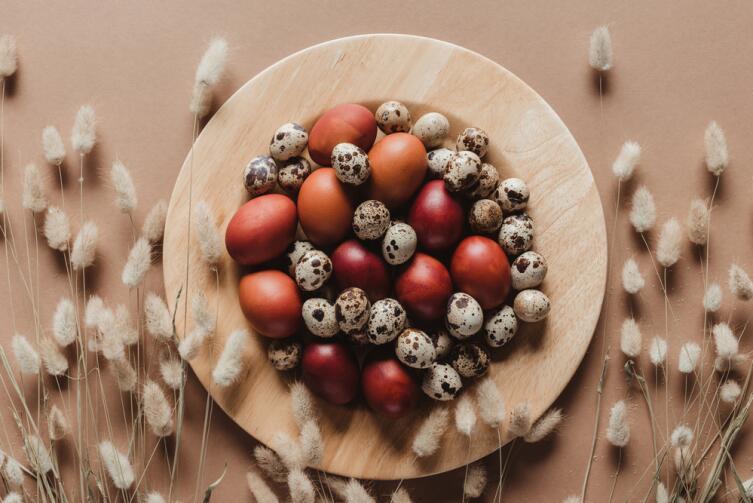 Перепелиные яйца в 3 - 4 раза меньше куриных