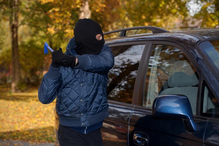 В автомобиле будьте аккуратны с газовыми баллончиками, чтобы самому не попасть под их действие