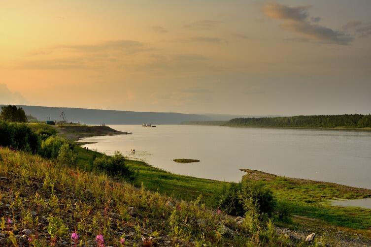 Река Лена - проточный водоем