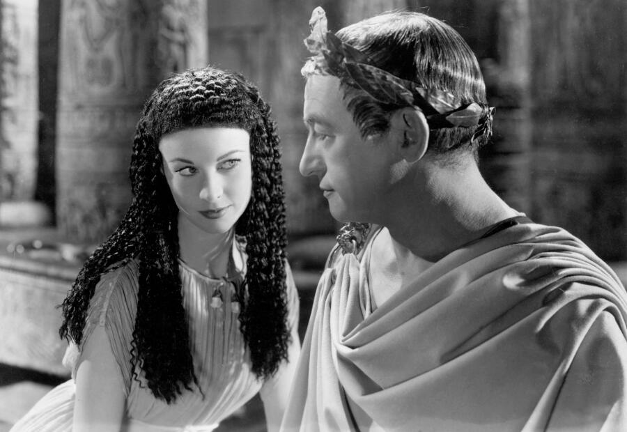 Вивьен Ли в образе Клеопатры в фильме «Цезарь и Клеопатра», 1945 г.