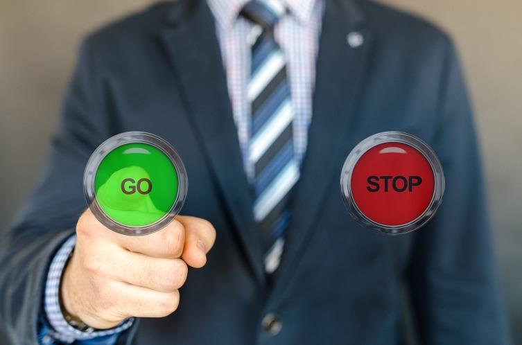 Сделайте список «За» и «Против», но будьте честны и объективны