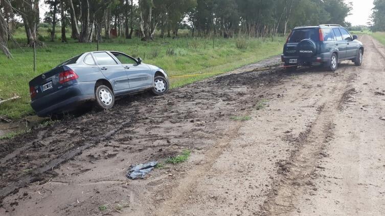 Что делать, если автомобиль застрял на дороге?