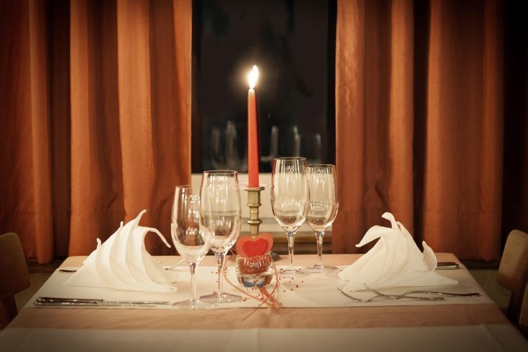 Рыбы оценят романтический ужин и прогулку при луне