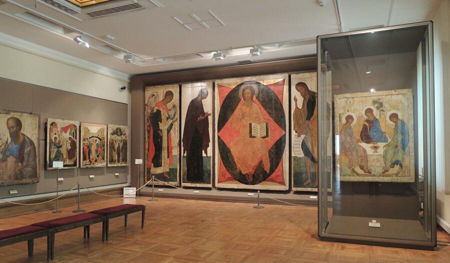 Зал Андрея Рублёва в Третьяковской галерее