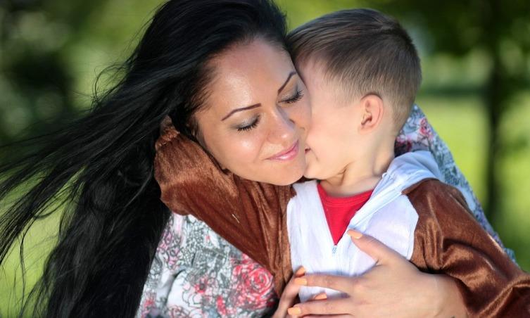 День матери: как отмечается праздник?