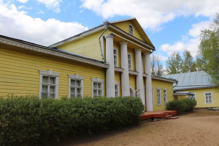 Здание музея-заповедника М. П. Мусоргского