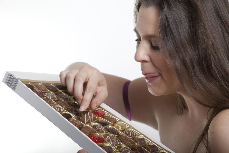 Как сбросить вес сладкоежке?