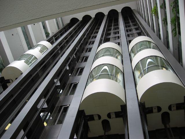 Современный наружный лифт