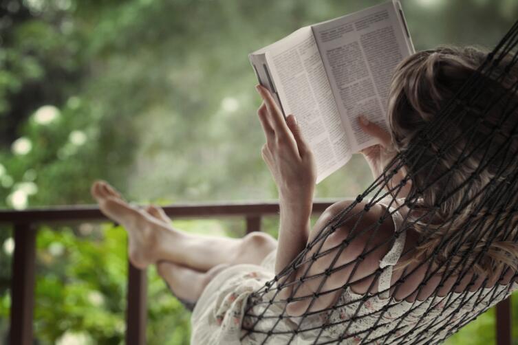 Зеркало души теперь — не литература, сегодня рулят Интернет и телевидение