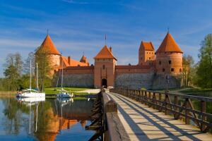 Летняя поездка в Литву. Чем запомнились Тракай и парк Бельмонтас?