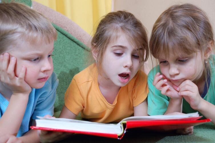 При чтении мозг обрабатывает в 1,5 раза больше информации, чем при просмотре телевизора