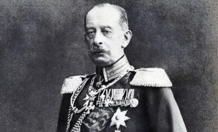 Граф Альфред фон Шлиффен в парадном облачении рыцаря прусского ордена Чёрного орла