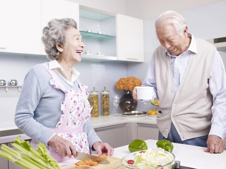 Японцы с острова Окинава когда выходят на пенсию, обязательно ищут себе какое-то занятие
