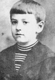 Лавкрафт в возрасте 9-10 лет